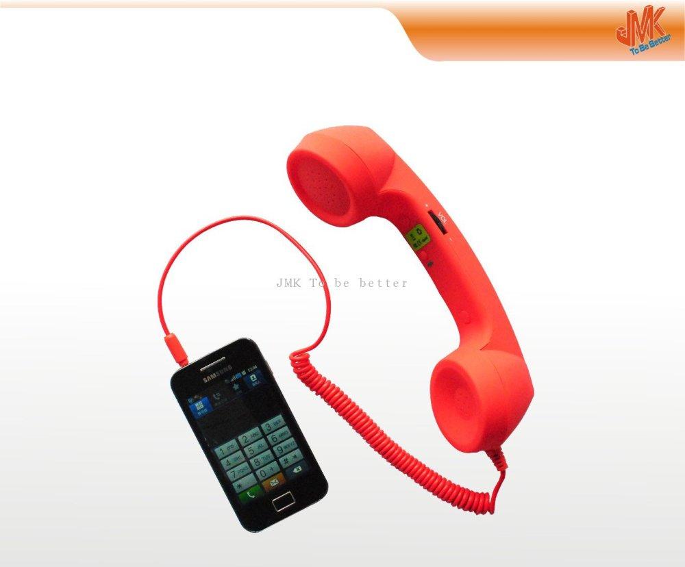 Felicidades. Tu auricular es más grande que que tu teléfono, funda y cargador. Juntos.